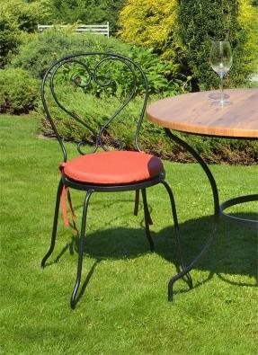 Gartenstuhl Montpelier klassiches Design. Stuhl aus Metall